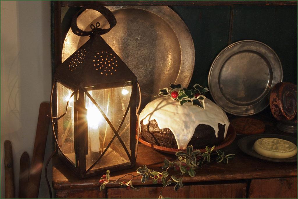 An 18th-century tavern lantern and lantern pudding.