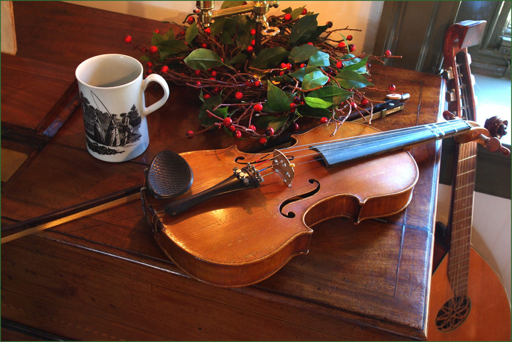 18th-century musical instruments at a Christmas event