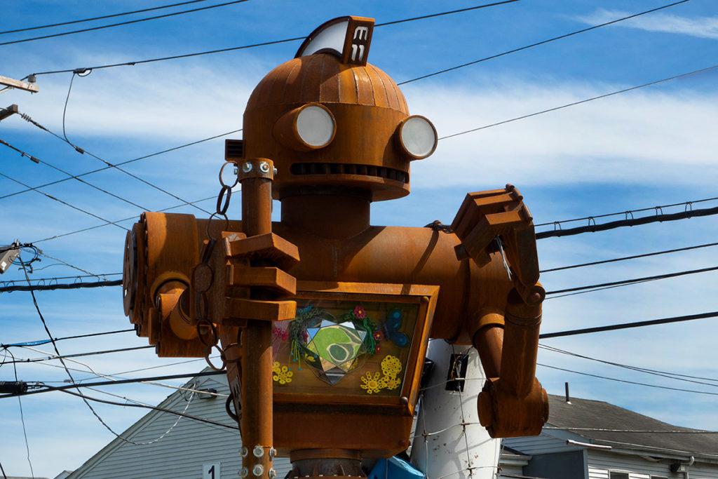 Robot sculpture Mechan 11 is fighting illegal dumpers in North Camden